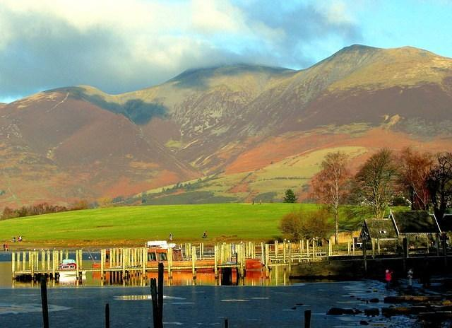 2009 01 02  Derwent water - boat landings and Skiddaw