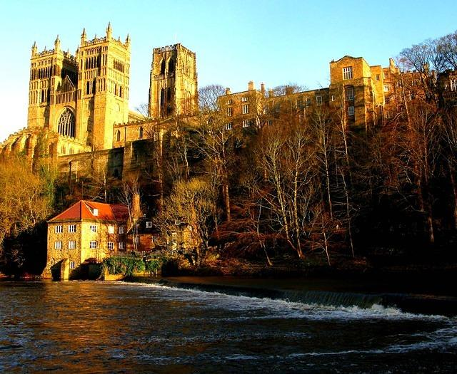2012 01 02 Durham Cathedral from the weir on the Wear