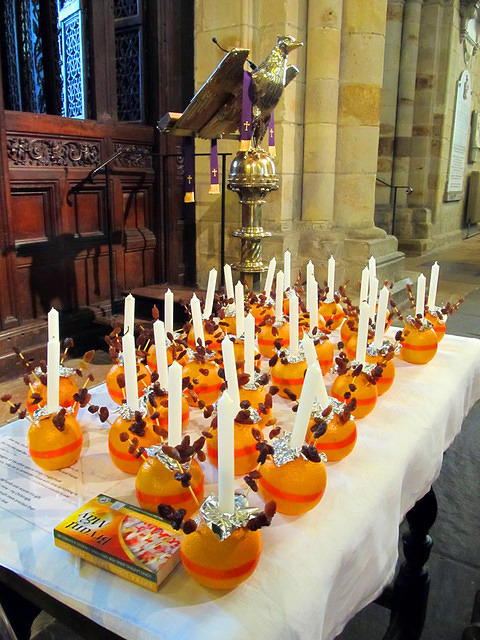 2014 12 07 Sing Christingle