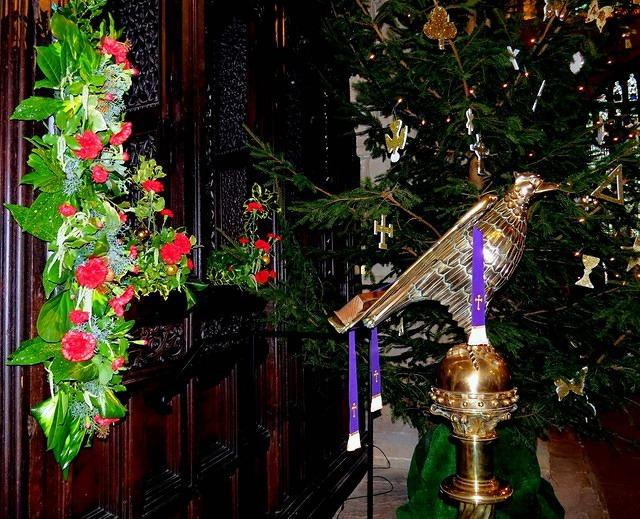 2014 12 22 Priory flowers Lectern
