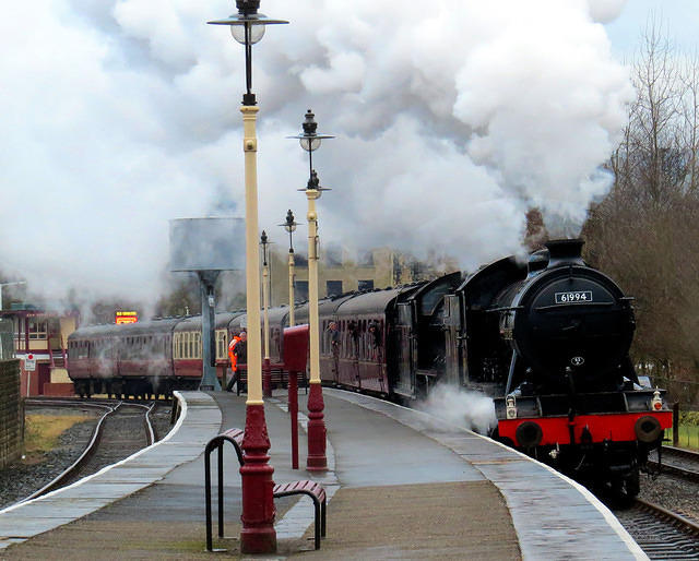2013 02 03 ELR Last arrival double headed into Rawtenstall (1)