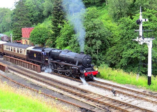 2014 07 17 Goathland Black Five Derby waiting