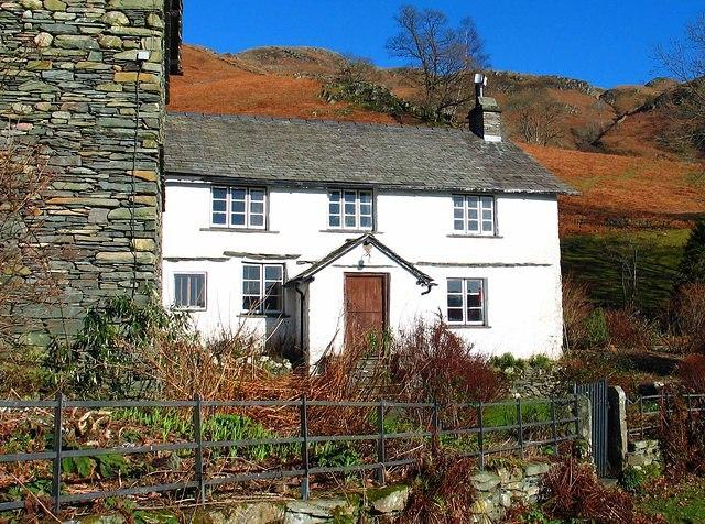 Loughrigg cottage.jpg