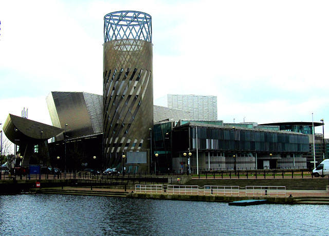 2014 04 23 Salford Quays The Lowry