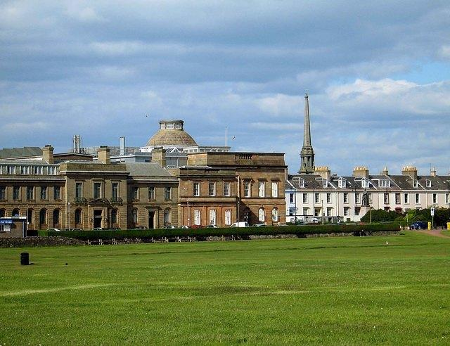 A   Classical style at Ayr.jpg