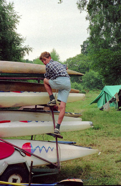 1992 Andrew securing the canoes.JPG