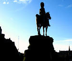 2009 01 17 Edinburgh Princes Street - on guard