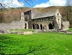2013 04 20 Llangollen Valle Crucis Abbey cloister from SW