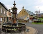 2014 03 30 Segur les villas Village fountain