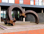 2014 04 23 Salford Quays The sculpture